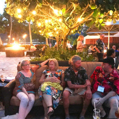 Evening mingle after classes - Kukui's, Marriott's beachside/poolside restaurant.